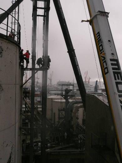 Montage d'une tour d'élévation - Cargill Brest