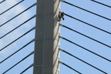 Contrôle des haubans du pont de l'Iroise - Brest