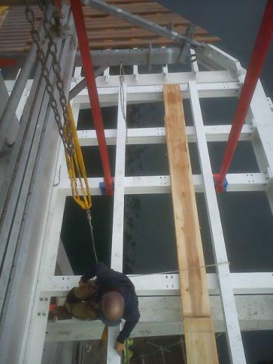 Montage de la charpente métallique du nouveau pont de Recouvrance - Brest